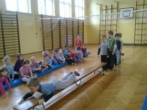 Gimnastyka na sali (2)