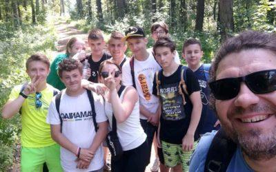 Rajd pieszy uczniów klasy VIII